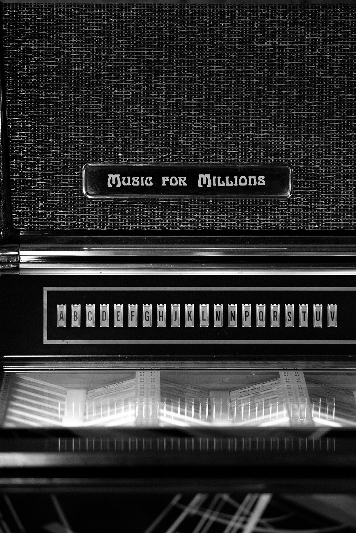 judebox : Music for millions